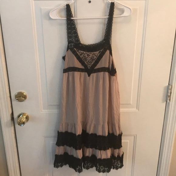 Topshop Dresses & Skirts - TopShop Womens Cream & Black Lacey Dress